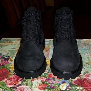 Black Timberland size 9